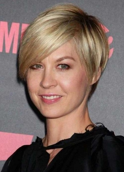 10 Flattering Short Hairstyles For Women Over 40 Page 5